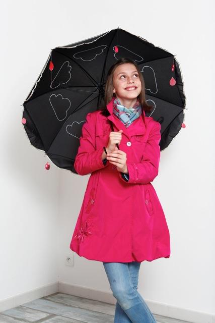Julie avec son parapluie